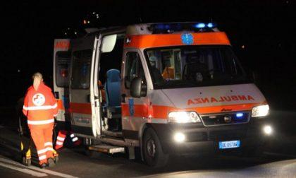 Auto ribaltata ferita una persona SIRENE DI NOTTE