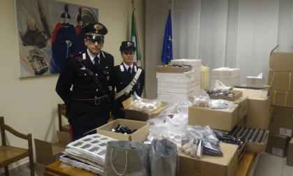 Operai infedeli rubano in azienda, ritrovati cosmetici per 100mila euro