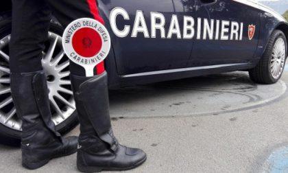 Ladri abbandonano furgone rubato, recuperato dai carabinieri