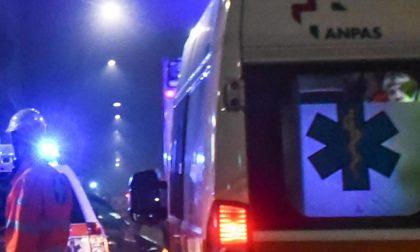 Auto ribaltata, 2 persone in ospedale SIRENE DI NOTTE