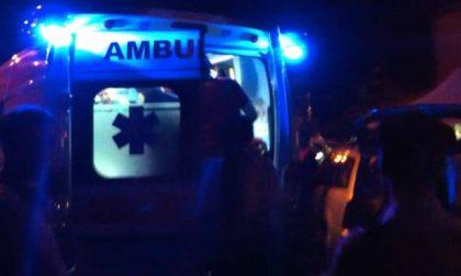Auto si ribalta, due persone in ospedale SIRENE DI NOTTE