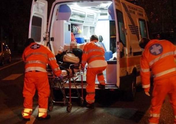 Risultati immagini per ambulanze notte
