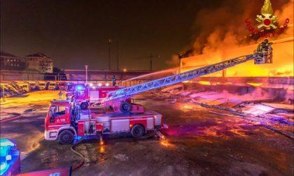 Incendio in una ditta di rifiuti: parla l'assessore Cattaneo