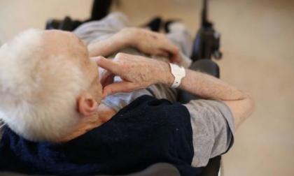 Anziani maltrattati in casa di riposo: due arresti