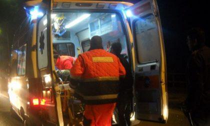 Auto contro ostacolo, donna 44enne in ospedale SIRENE DI NOTTE