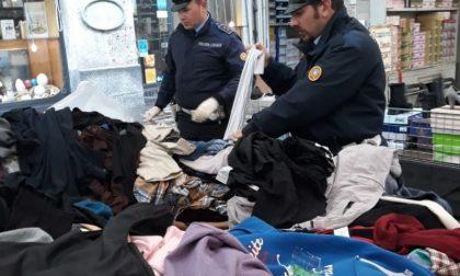 Controlli al mercato: sequestrati 924 abiti usati