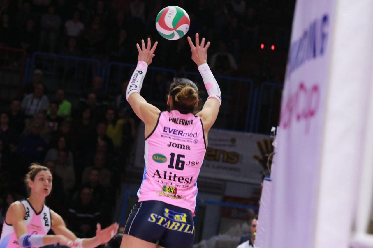 VBC Casalmaggiore, vittoria al tie break con Brescia