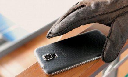 Agli arresti domiciliari ruba due telefoni cellulari: 40enne bulgara denunciata