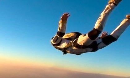 Sbaglia l'atterraggio e si schianta al suolo, morto paracadutista 34enne