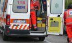 Camion si ribalta in un fosso, ferite serie per l'autista