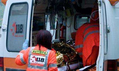 Schianto tra tre auto sulla Giuseppina: tra i cinque feriti anche una bimba di 2 anni