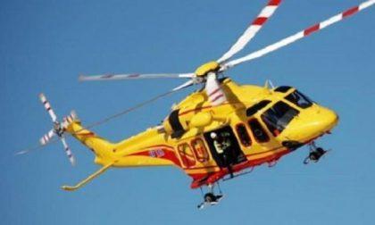Schianto tra furgone e mezzo pesante: quattro feriti, uno in elisoccorso a Cremona
