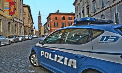 Faceva shopping con carta di credito rubata: denunciato un italiano 32enne
