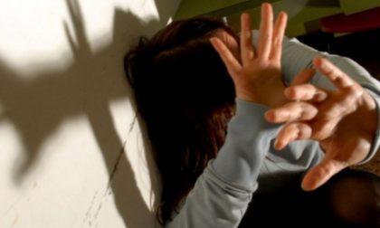 Continui maltrattamenti e violenze nei confronti della moglie: arrestato 41enne