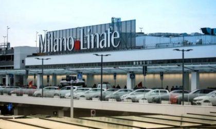 Trovato positivo al test Covid in aeroporto a Linate, passeggero resta a terra