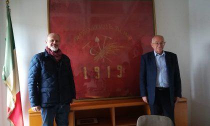 Bandiera dei socialisti rivoltani donata al Comune FOTO
