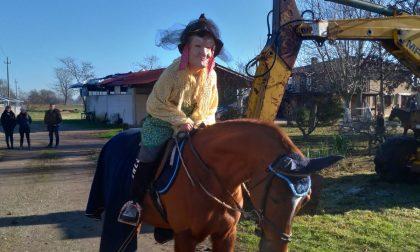 La Befana al maneggio a cavallo della scopa ... e non solo! FOTO