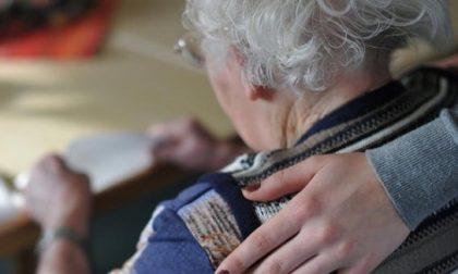 """Furti con la """"tecnica dell'abbraccio"""": ladra identificata dalla vittima di Casalmaggiore"""