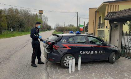 Studio dentistico mette a disposizione cinque bombole per ossigeno, l'aiuto dei carabinieri
