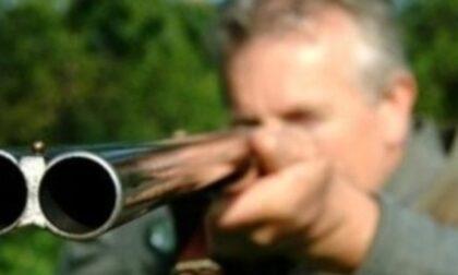 Cacciatore nei guai: imbracciava un fucile semiautomatico mai denunciato