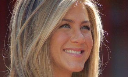 """Jennifer Aniston mette un like a Fedez…che inizia a """"tormentare"""" Chiara Ferragni"""