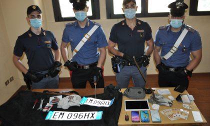 """Rubano al """"Cremona Po"""" e si schiantano inseguiti da Carabinieri e Polizia"""
