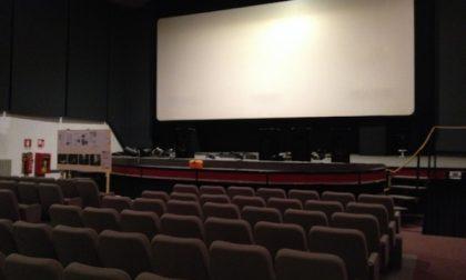 Da domani si torna al cinema e a teatro: niente mascherina al posto