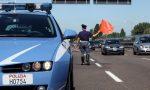Infarto alla guida in autostrada, donna cremonese salvata dalla Stradale