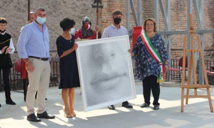 Consegnata l'opera dell'artista cremonese Giorgio Tentolini in dono all'Ospedale di Cremona