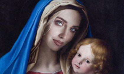 Chiara Ferragni come la Madonna, denunciata per blasfemia dal Codacons