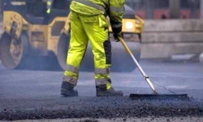 Buche e asfalto rovinato: al via le asfaltature