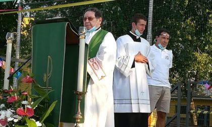 """Il parroco a Messa: """"Gli omosessuali sono malati"""". Intanto il Papa apre alle unioni civili"""