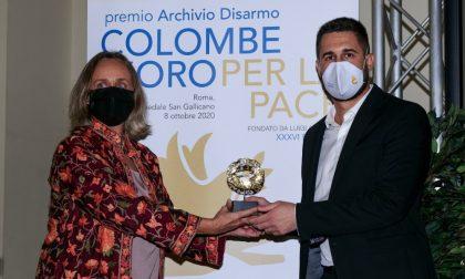 Colombe d'oro per la Pace: premiato Paolo Miranda, l'infermiere fotografo di Cremona