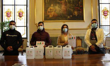 La comunità indiana dona gel igienizzante al Comune di Cremona