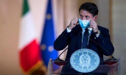 """Nuove chiusure e lockdown nelle Regioni di """"fascia rossa"""" (come la Lombardia): la bozza del nuovo Dpcm"""
