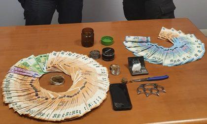 Intervengono per una lite in famiglia e scoprono un piccolo magazzino della droga