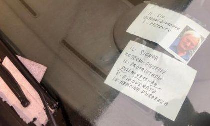 """""""Il signor Giuseppe è deceduto"""": ma nonostante il messaggio sull'auto (in divieto) del defunto piovono le multe"""