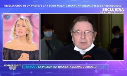 """Gay malati?"" Bacchettato da Barbara D'Urso, don Mario si scusa in tv"
