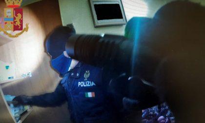 Arrestato per spaccio di stupefacenti: in casa oltre due etti tra marijuana e hashish