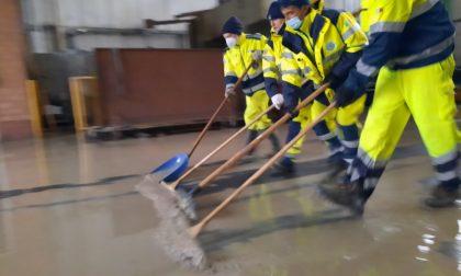 Esondazione in Emilia, al lavoro da tre giorni più di 100 volontari della Protezione Civile cremonese FOTO