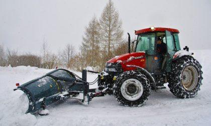 Maltempo, neve in Lombardia: trattori Coldiretti in azione