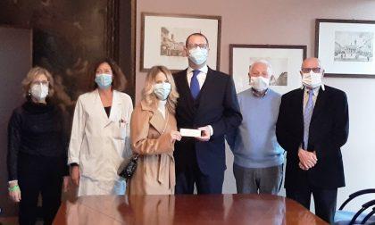 Raccolta fondi per l'ospedale di Cremona al posto della lista nozze: il gesto d'amore di due giovani sposi