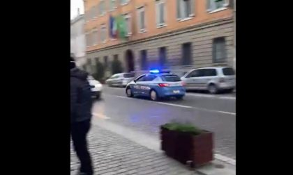 Il video del folle inseguimento di un pregiudicato cremonese nel centro di Mantova