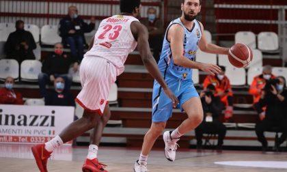Vanoli sconfitta a Varese dopo due tempi supplementari 110-105