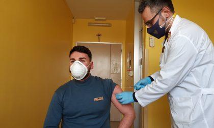 Vaccinazioni anti Covid per le Forze dell'ordine, a Cremona hanno aderito 450 Agenti