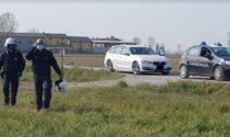 All'Alt dei Carabinieri consegnano la marijuana e fuggono: fuga folle nel Cremasco