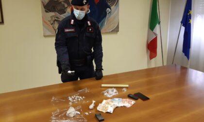 Fuggono all'alt, in auto cocaina ed eroina: due giovani marocchini arrestati