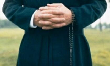Ricatto a luci rosse, sacerdote paga 14mila euro per il silenzio di un giovane