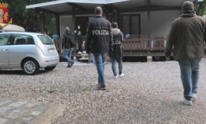 Stanata la banda specializzata in furti su auto nei parcheggi dei supermercati, colpi a segno anche a Cremona