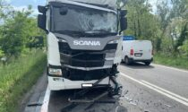 Le foto del tamponamento tra due camion sulla Rivoltana: un ferito
